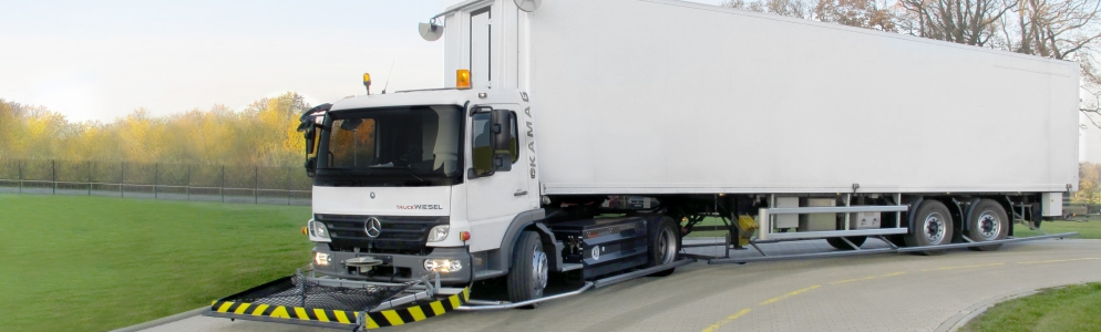 Photo driverless truck Heideblume dairy factory